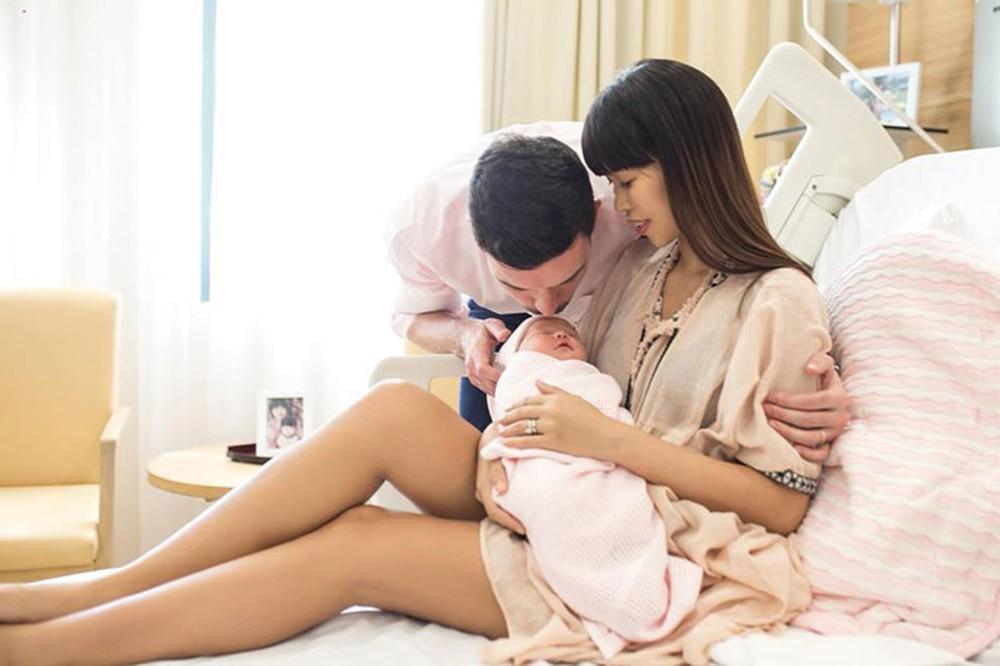 Hà Anh đang có một mái ấm hạnh phúc bên chồng Tây và con gái nhỏ
