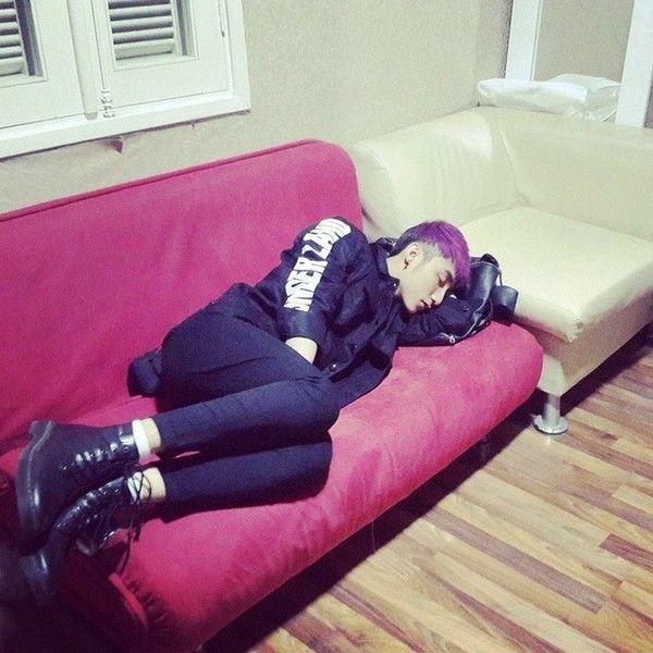 Nhìn hình ảnh sao Việt ngủ gà ngủ gật vì chạy show quá sức, mới hiểu làm nghệ sĩ không sung sướng như nhiều người nghĩ   - Ảnh 15