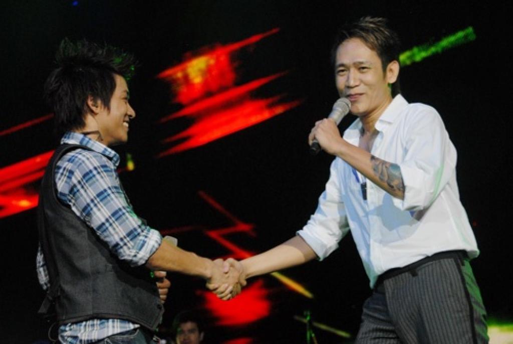 Tuấn Hưng và Duy Mạnh từng là anh em tốt, đứng chung trên sân khấu nhận được nhiều tình cảm của khán giả