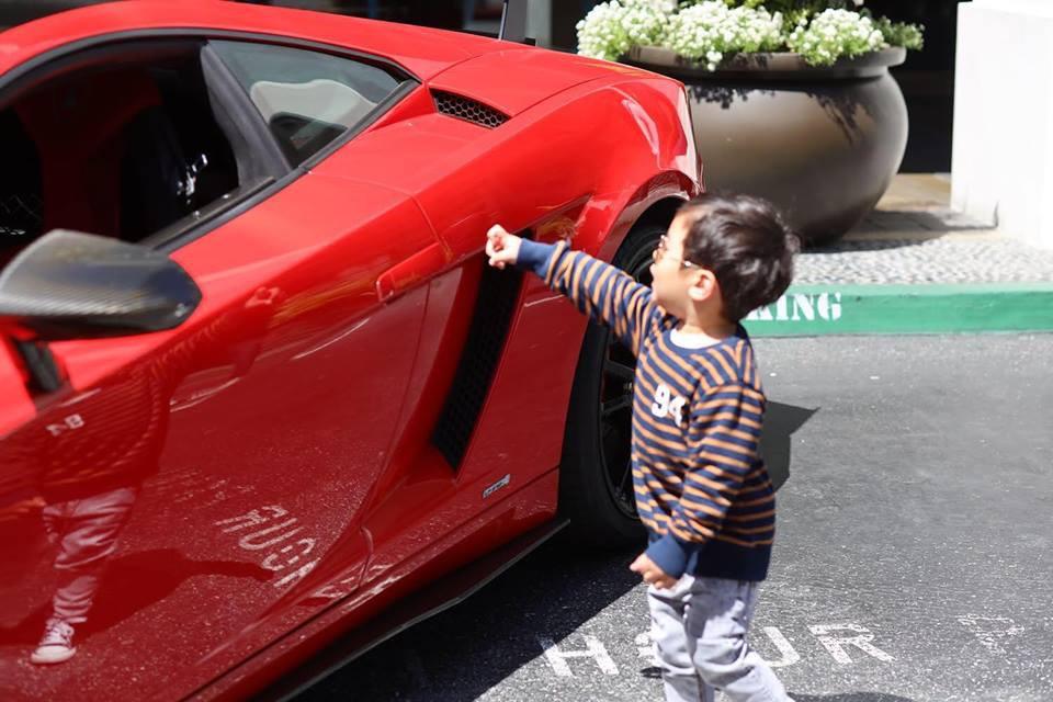 Quý tử nhà Đan Trường: Sinh ra đã là 'rich kid', 2 tuổi có thể nói được 3 thứ tiếng   - Ảnh 10