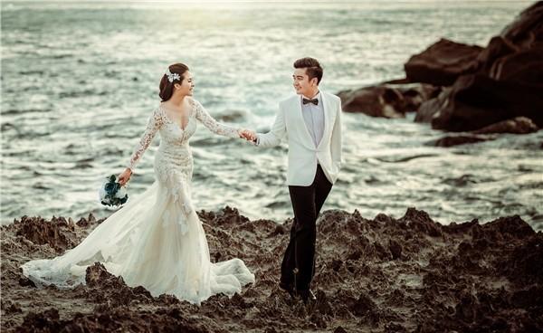 Hai vợ chồng kỷ niệm 2 năm ngày cưới ở Phú Quốc