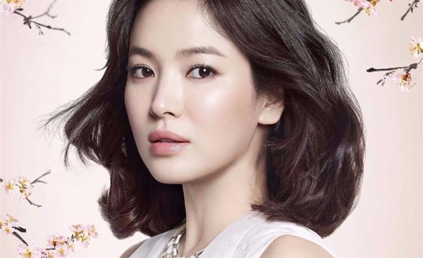 Song Hye Kyo từ lâu luôn thu hút và gây dấu ấn với người hâm mộ bằng những tác phẩm đặc sắc cùng khả năng diễn xuất đỉnh cao và một vẻ đẹp tự nhiên thuần khiết