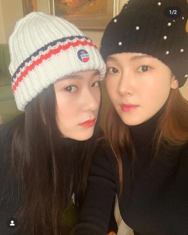 Ảnh selfie khoe nhan sắc cực sang chảnh của cặp chị em cực phẩm Kpop Jessica - Krystal gây sốt - Ảnh 2