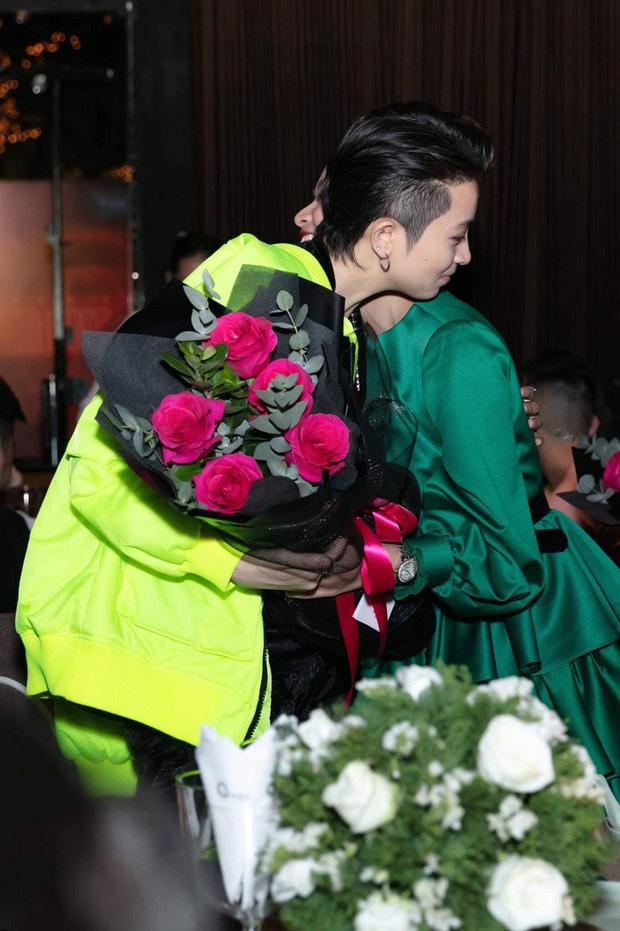 Gil Lê gạt bỏ lịch trình để tháp tùng Hoàng Thùy Linh 'chạy show' tại trời Tây dịp đầu năm - Ảnh 4