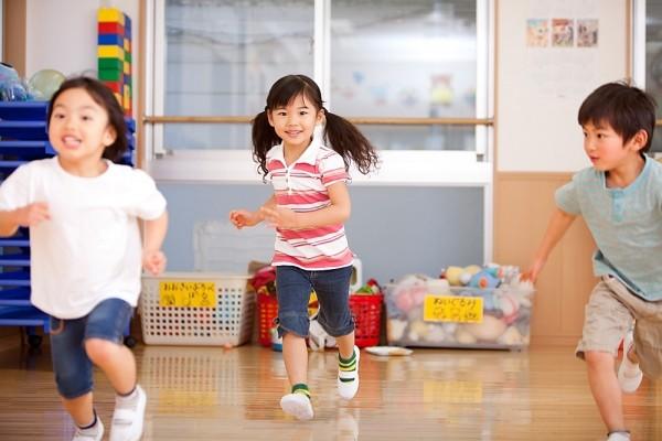 Giúp trẻ vui đến trường sau Tết, đây là điều cha mẹ nên làm với con theo từng độ tuổi - Ảnh 3