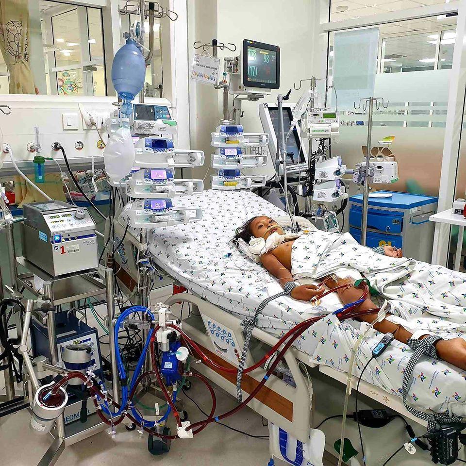 10 ngày đêm xuyên Tết, các bác sĩ cứu bé gái 9 tuổi viêm cơ tim tối cấp khỏi bàn tay tử thần - Ảnh 1