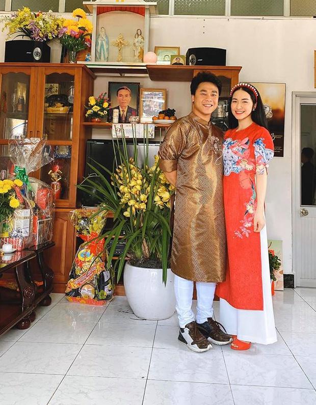 Sao Việt mua nhà, xe hơi tiền tỷ tặng cha mẹ - Ảnh 1