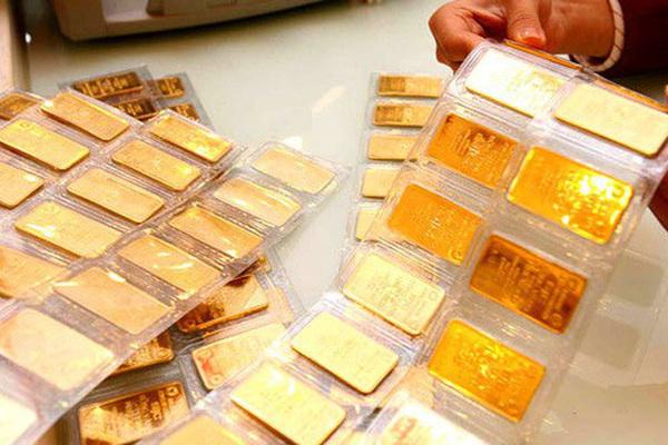 Mỗi tháng mua 3 chỉ vàng, gần chục năm tôi lãi đậm cả căn nhà tiền tỷ - Ảnh 1