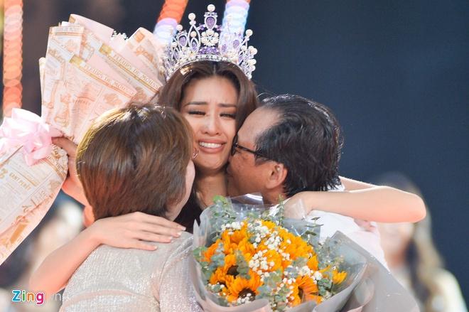 Khánh Vân gây tranh cãi khi là tân Hoa hậu Hoàn vũ Việt Nam - Ảnh 1