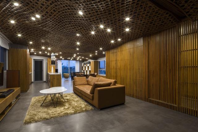 Căn chung cư ở Sài Gòn gây ngỡ ngàng với trần nhà tạo hình những đám mây - Ảnh 1