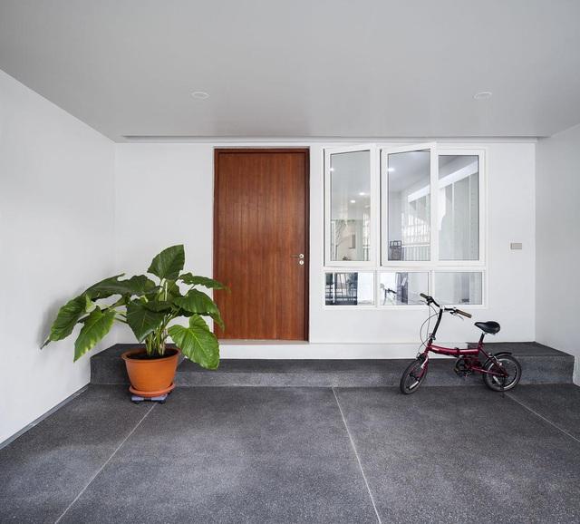 """Choáng ngợp ngôi nhà 300m2 với khu vườn bonsai toàn cây """"khủng"""" - Ảnh 2"""