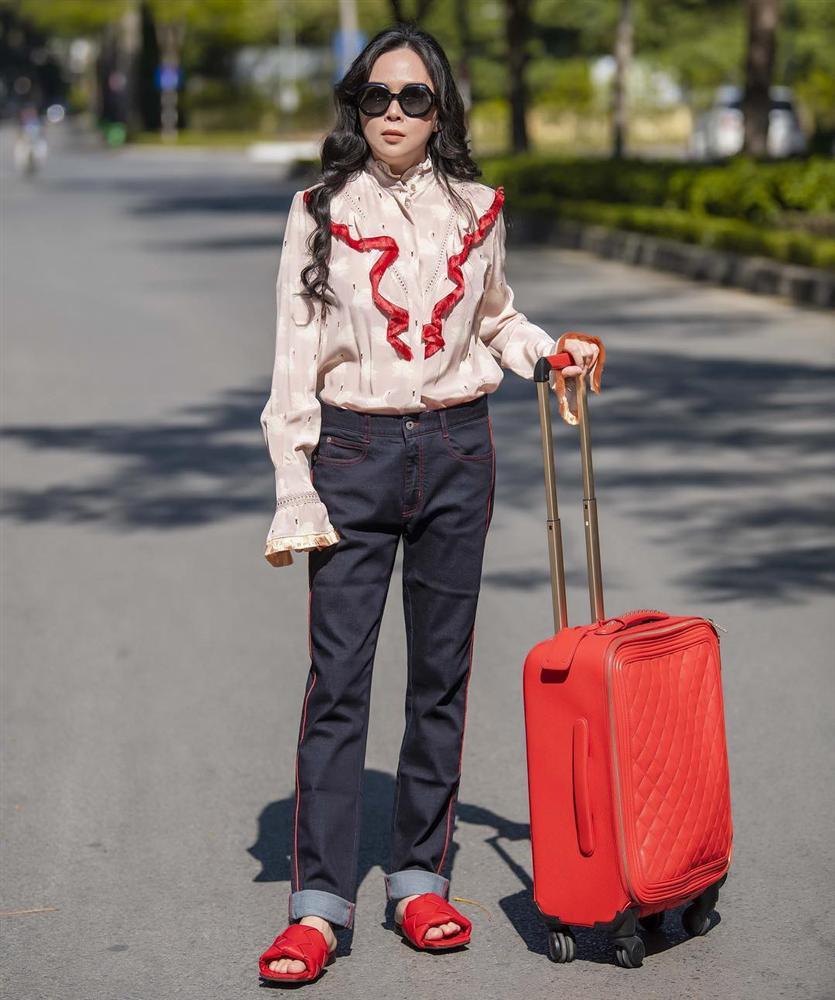 Phượng Chanel giờ cũng mạnh dạn chụp ảnh khoe vòng 1 như ai - Ảnh 6