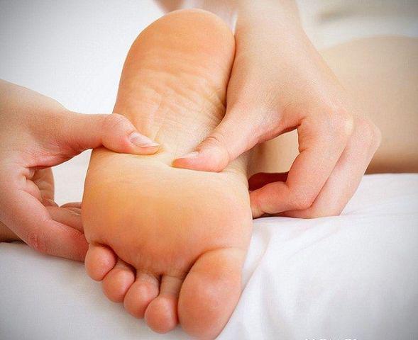 """Có 3 dấu hiệu lạ xuất hiện trên bàn chân, cho thấy gan đang """"kêu cứu"""" - Ảnh 2"""