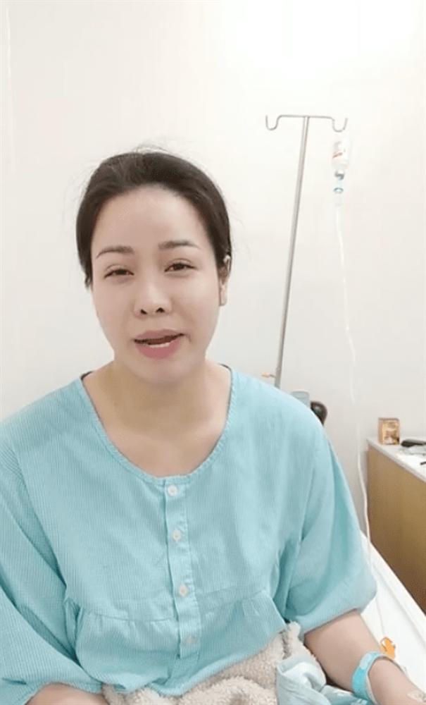 Tiều tụy vì nhập viện cấp cứu, Nhật Kim Anh vẫn gây sốt bởi mặt mộc đẹp không tì vết - Ảnh 1