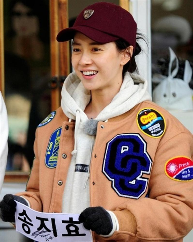 Để mặt mộc vẫn nổi bần bật, 'mợ ngố' Song Ji Hyo khẳng định đẳng cấp đẹp tự nhiên - Ảnh 8