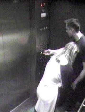 Lộ ảnh Amber Heard âu yếm tỷ phú ở thang máy khi còn là vợ Johnny Depp - Ảnh 2