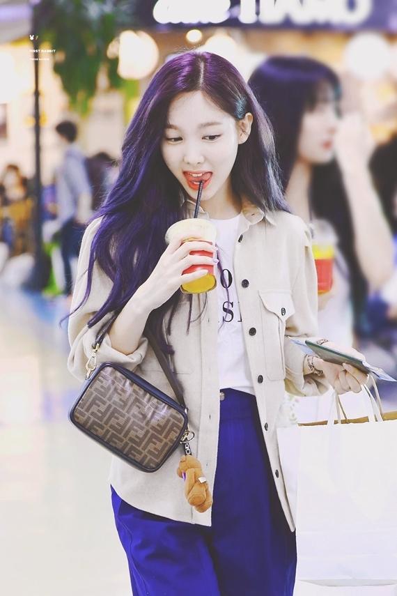 Phong cách thời trang chuẩn 'sinh viên đại học' của Na Yeon (Twice) - Ảnh 7