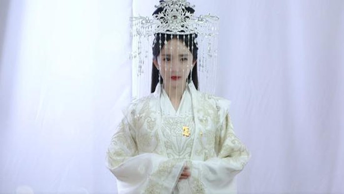 Trong dàn mỹ nhân Hoa ngữ ai mới là tân nương cổ trang diện hỷ phục đẹp nhất? - Ảnh 3
