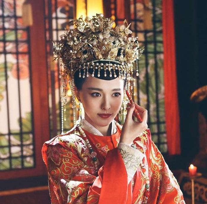 Trong dàn mỹ nhân Hoa ngữ ai mới là tân nương cổ trang diện hỷ phục đẹp nhất? - Ảnh 4