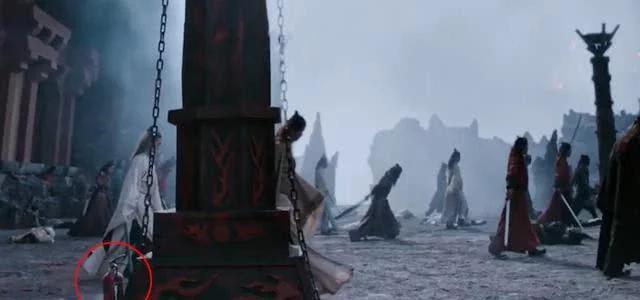Những 'hạt sạn' to đùng trong phim cổ trang Hoa ngữ: Phim của Tiêu Chiến, Vương Nhất Bác lộ lỗi ngớ ngẩn, cẩu thả - Ảnh 6