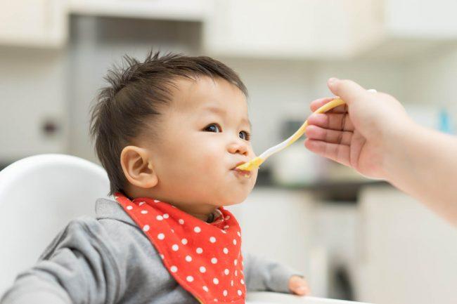 Các món cháo cho bé 6 tháng tuổi ăn dặm giúp bé tăng cân khỏe mạnh - Ảnh 4