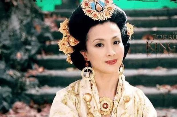 Giữa những tranh cãi về nhan sắc của con gái, hình ảnh mẹ Lưu Diệc Phi bất ngờ được 'đào mộ' khiến dân mạng trầm trồ - Ảnh 6
