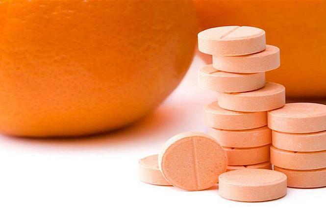Xôn xao tin vitamin C phòng virus corona mới, BS cảnh báo uống quá liều có thể gây sỏi thận - Ảnh 1