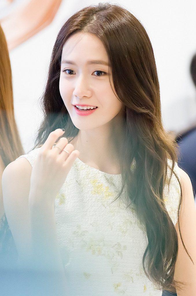 Yoona bao năm vẫn xinh nhưu vậy