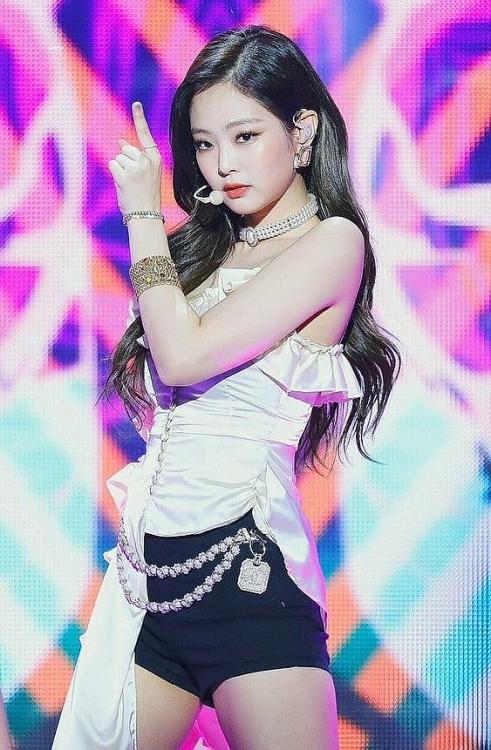 Jennie 8