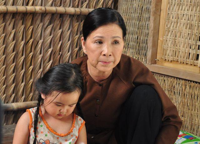 NSND Kim Xuân: Trước khi đạt danh hiệu cao quý, cùng điểm qua những vai diễn người mẹ để đời của nữ nghệ sĩ - Ảnh 8