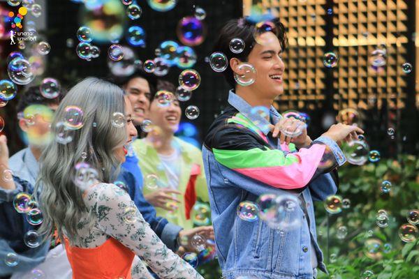 Sau 'Chiếc lá cuốn bay', Baifern Pimchanok 'rủ' cô bạn thân Mai Davika oanh tạc màn ảnh nhỏ Thái Lan - Ảnh 12