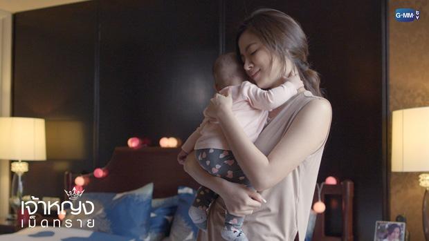 Sau 'Chiếc lá cuốn bay', Baifern Pimchanok 'rủ' cô bạn thân Mai Davika oanh tạc màn ảnh nhỏ Thái Lan - Ảnh 3
