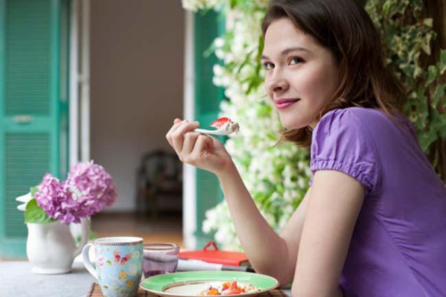 10 sai lầm khi ăn kiêng của phụ nữ - Ảnh 1