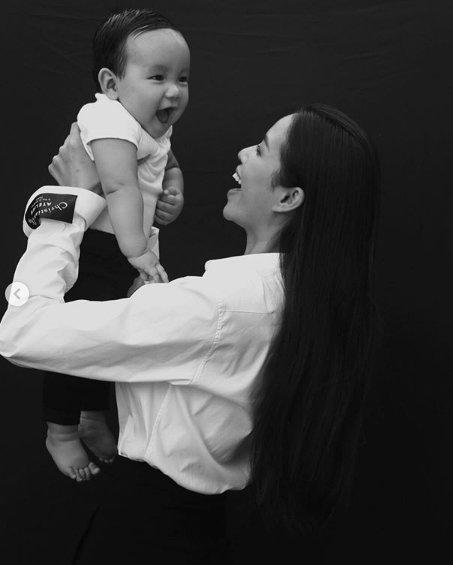 Phạm Hương lần đầu trả lời 15 câu hỏi, kể hết chuyện sinh con ở cữ ở Mỹ - Ảnh 2