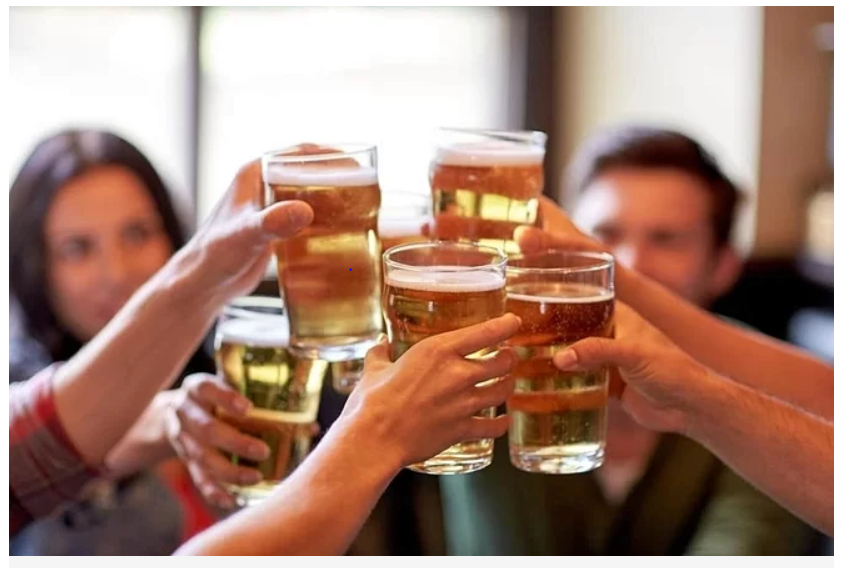Đàn ông nên ngừng uống rượu 6 tháng trước khi thụ thai - Ảnh 1