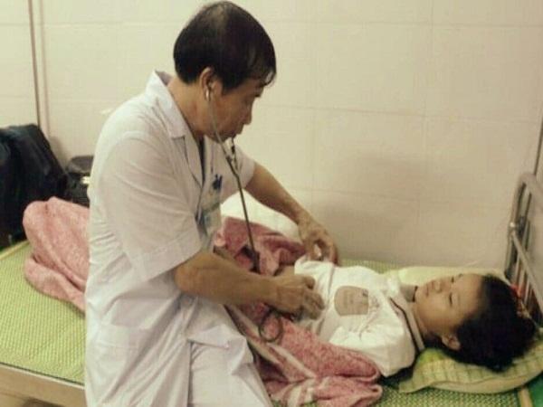 Nghệ An: Trên đường đi học về, 4 học sinh bị sét đánh bất tỉnh - Ảnh 1