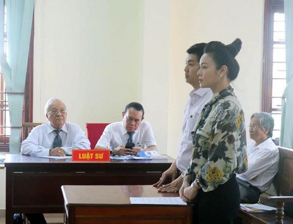 Sóng gió ái tình phủ sóng showbiz Việt đầu năm 2020: Bất ngờ nhất là cuộc ly hôn của nghệ sĩ Chí Trung - Ảnh 4