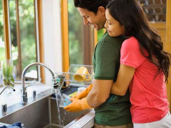 Những chiêu dụ chồng làm việc nhà cực hữu hiệu, chị em nào áp dụng cũng thành công - Ảnh 1