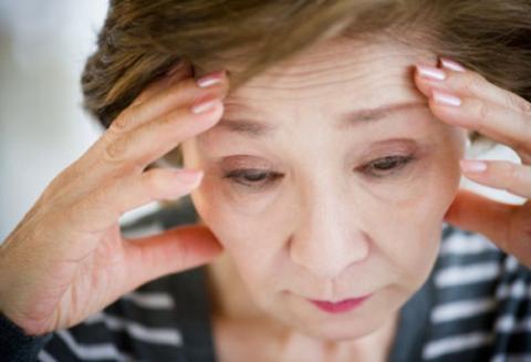Mẹ chồng đau đầu trị nàng dâu hỗn láo
