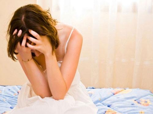 Đau rát vùng kín khiến nhiều chị em phụ nữ bất an