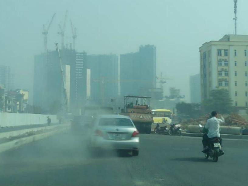 Vì sao nồng độ bụi mịn PM2.5 tại Hà Nội vượt ngưỡng cho phép? - Ảnh 2