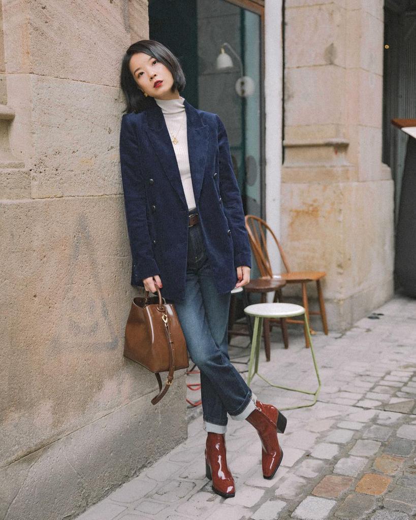 Cách phối đồ với giày boots cổ ngắn vừa sang chảnh vừa ấm áp cho mùa đông năm nay - Ảnh 5