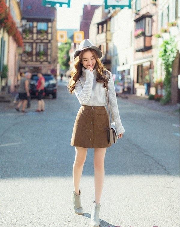 Phối đồ với chân váy da: Gợi ý thời trang Thu - Đông cho các cô nàng sành điệu - Ảnh 15