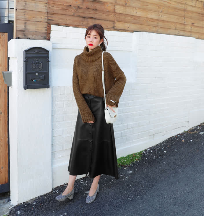 Phối đồ với chân váy da: Gợi ý thời trang Thu - Đông cho các cô nàng sành điệu - Ảnh 14
