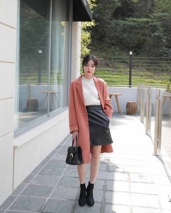 Phối đồ với chân váy da: Gợi ý thời trang Thu - Đông cho các cô nàng sành điệu - Ảnh 17