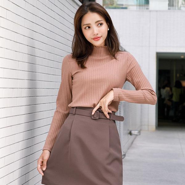 Phối đồ với chân váy da: Gợi ý thời trang Thu - Đông cho các cô nàng sành điệu - Ảnh 9