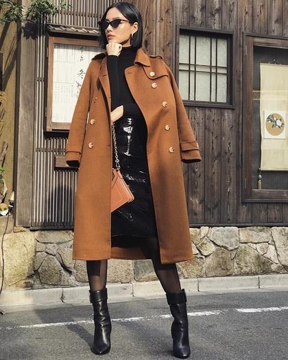 Phối đồ với chân váy da: Gợi ý thời trang Thu - Đông cho các cô nàng sành điệu - Ảnh 12