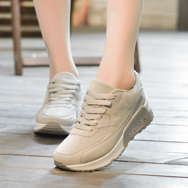 Tuyệt chiêu phối đồ với giày màu kem mà các cô nàng không thể bỏ lỡ  - Ảnh 10