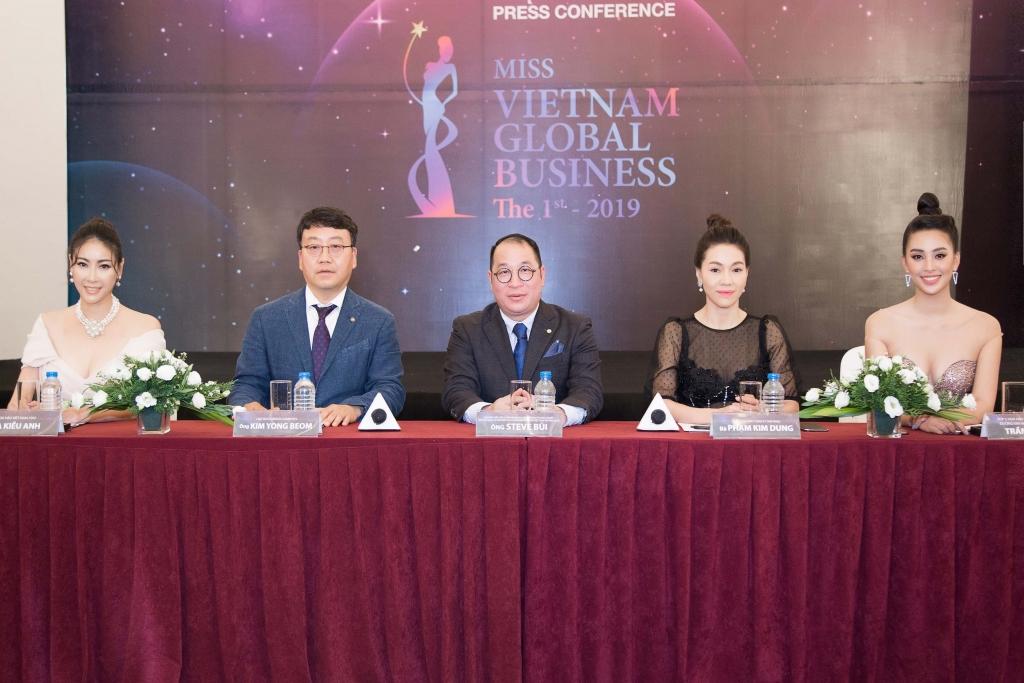 Mới nửa đầu năm 2019 Việt Nam đã có nhiều danh hiệu Hoa hậu 'doanh nhân - quý bà' - Ảnh 1