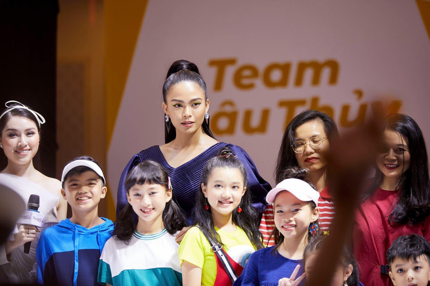 Mâu Thủy chính là HLV của chương trình Model Kids Vietnam 2019